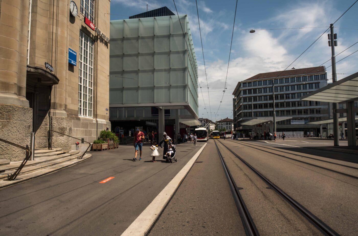 2019 und 1971: Bahnhofplatz