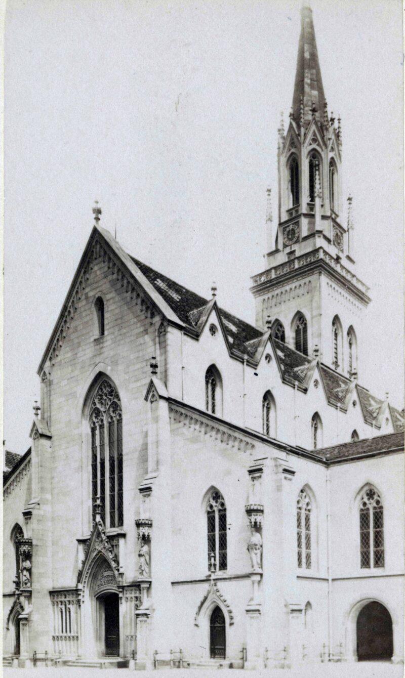 Umbau der St. Laurenzenkirche im neugotischen Stil | Jahr